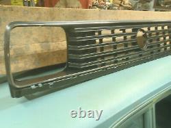 Nos Volkswagon Vw Black Chrome Grille Golf Jetta 176853653d Oem New In Box 85 86